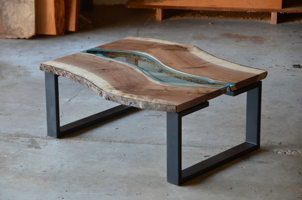Tables made from rotting trees by greg klassen upcyclist for Table design river