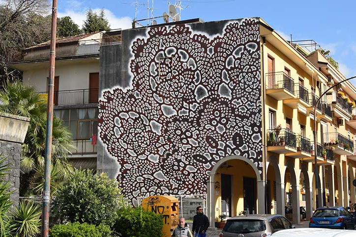 Lace graffiti art in Sicily by NeSpoon