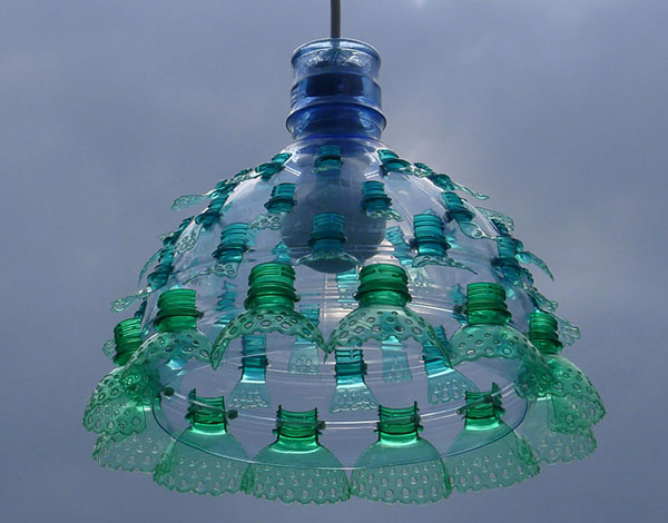 Light made of upcycled plastic bottles by Veronika Richterová