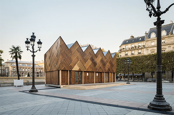 Circular-Pavilion-Paris-made-from-old-doors