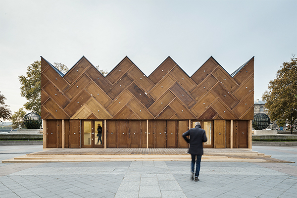 Pavilion-in-Paris-made-from-reclaimed-doors