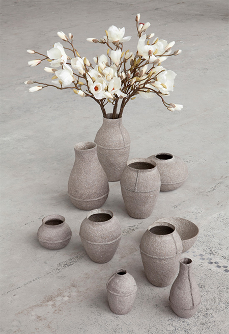 PaperPulp-Vases-made-from-paper-pulp-by-Debbie-Wijskamp
