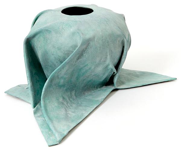 Dressed-Ware-vase-cast in bronze-by-Studio-Jens-Praet
