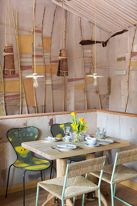 Recycled wood lamps by Artilujos in Mama Campo's restaurant interior design