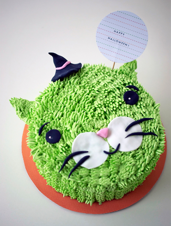 Hairy green witch cat cake by Coco Cake Land kids Halloween party ideas