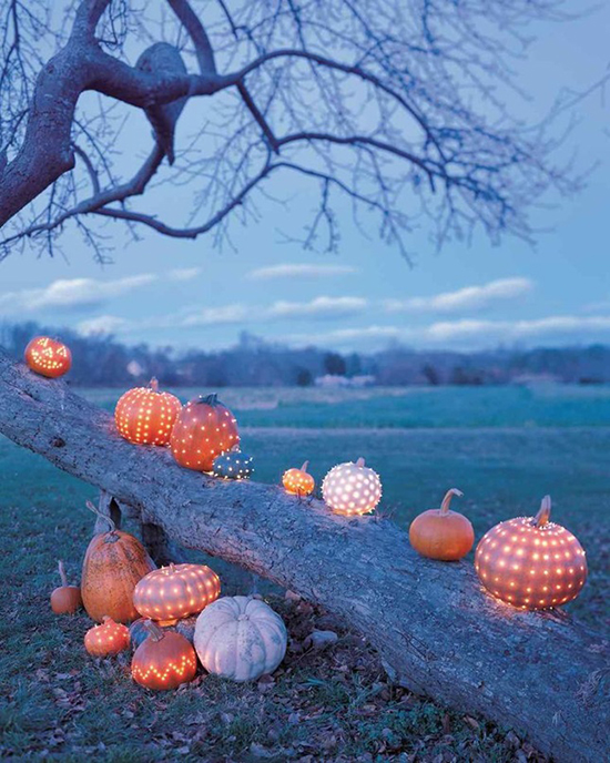 Pumpkin lantern decorations for elegant Halloween party ideas
