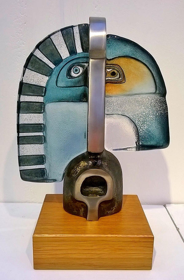 Ramses glass sculpture by Mats Jonasson