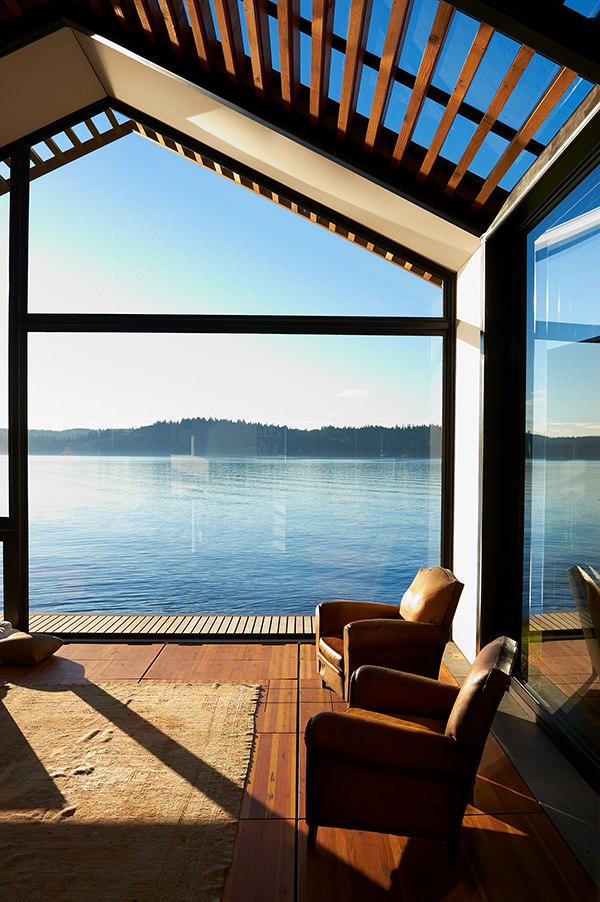 Holiday cabin overlooking Puget Sound