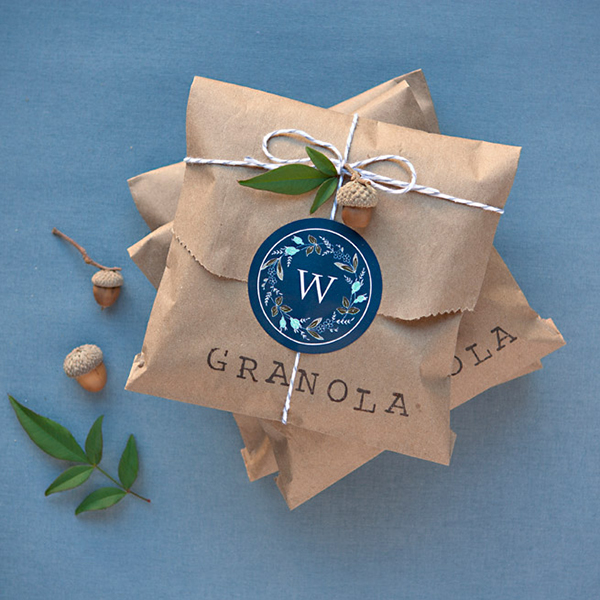 Granola in paper bag wedding favour