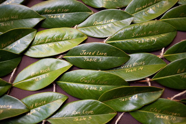 Place cards made from leaves
