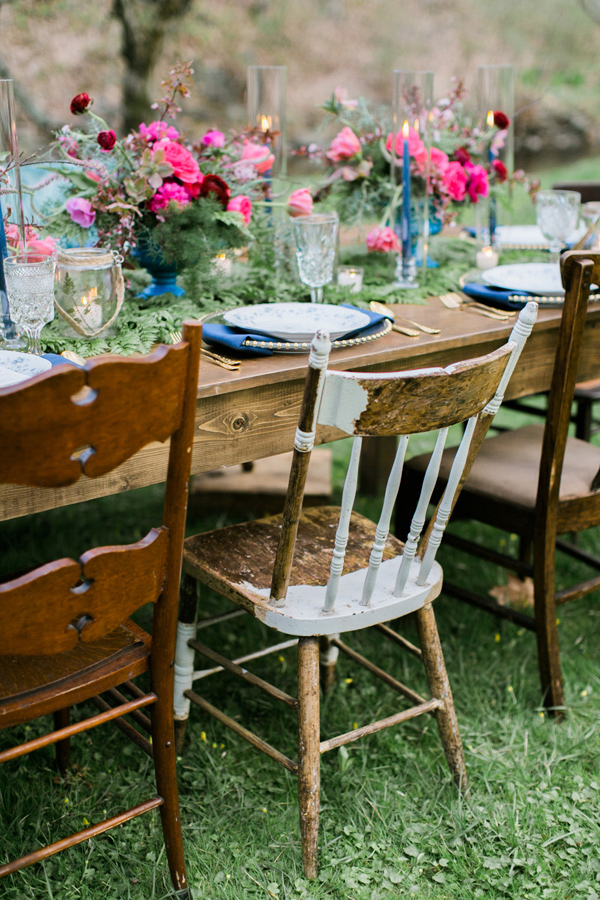 vintage chairs for outdoor wedding table