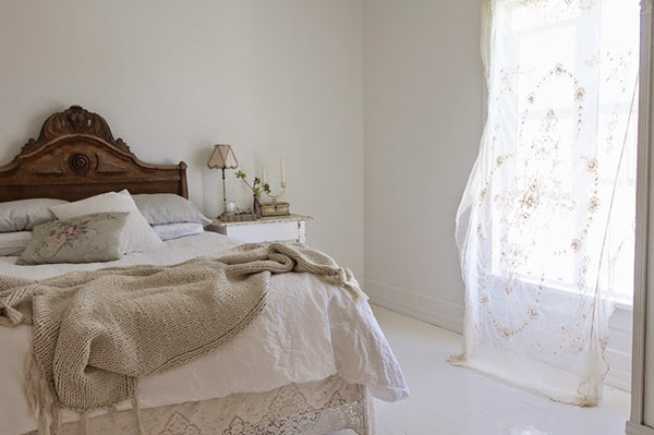 Ideas for decorating the bedroom with vintage lace