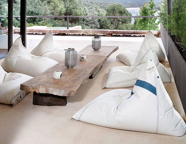 Genois bean bag made from upcycled boat sails by Dvelas