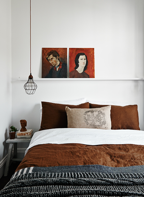 Earthy colour palette in the bedroom