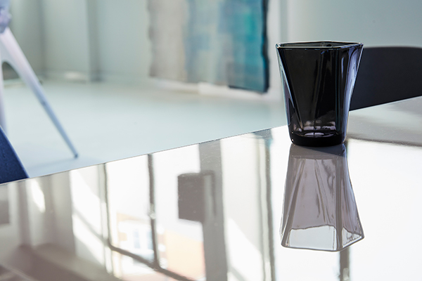 Glass made from recycled smart phone screens by Pentatonic