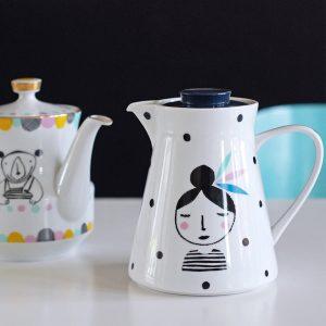 Upcycled illustrated jug by Ninainvorm