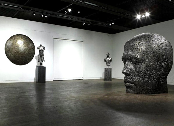 Sculpture made from bike chains by Seo Young Deok