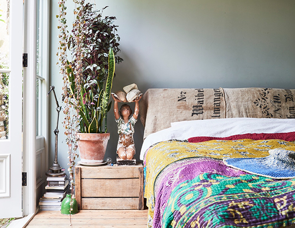 Plants and vintage in the bedroom