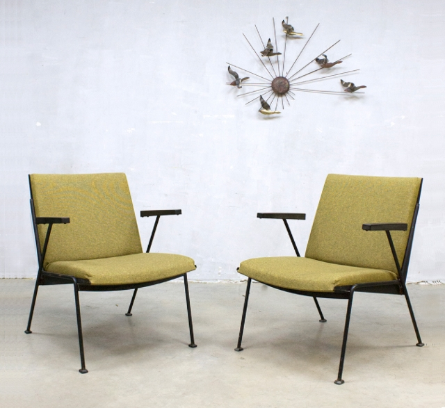 Set of 2 Vintage Dutch Oase Lounge Chairs in green fabric