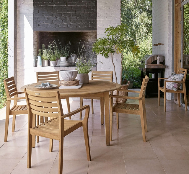 John Lewis outdoor dining set from sustainably sourced wood