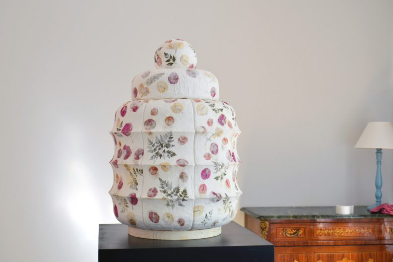 Porcelain and pressed flowers sculpture