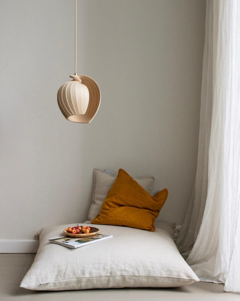 Hanging pendant light made from fsc wood