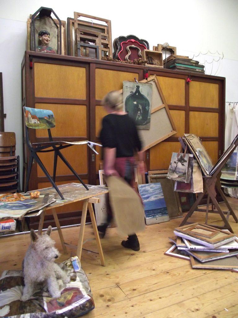 Leslie Oschmann in her studio