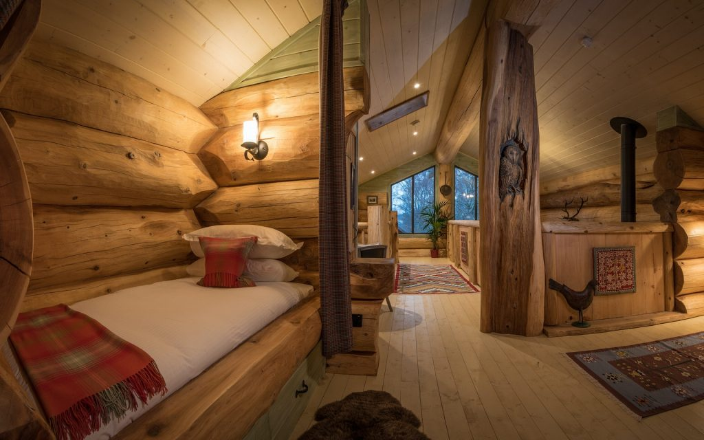 Bedrooms in log cabin to rent